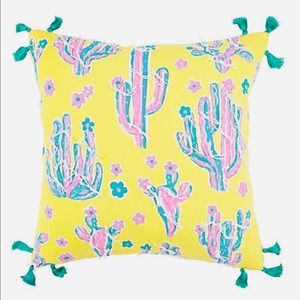 """NWT Simply Southern cactus pillow 18""""x 18"""""""